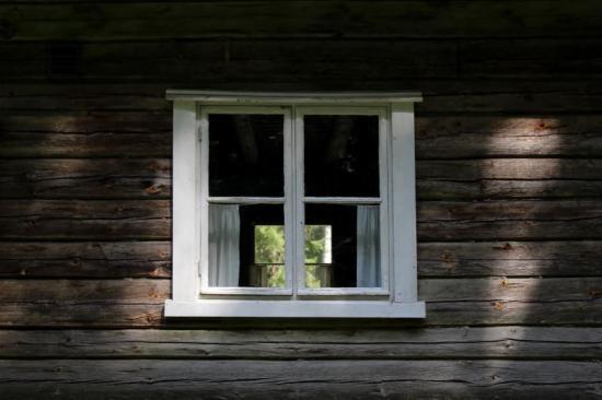 How to Fix Drafty Windows